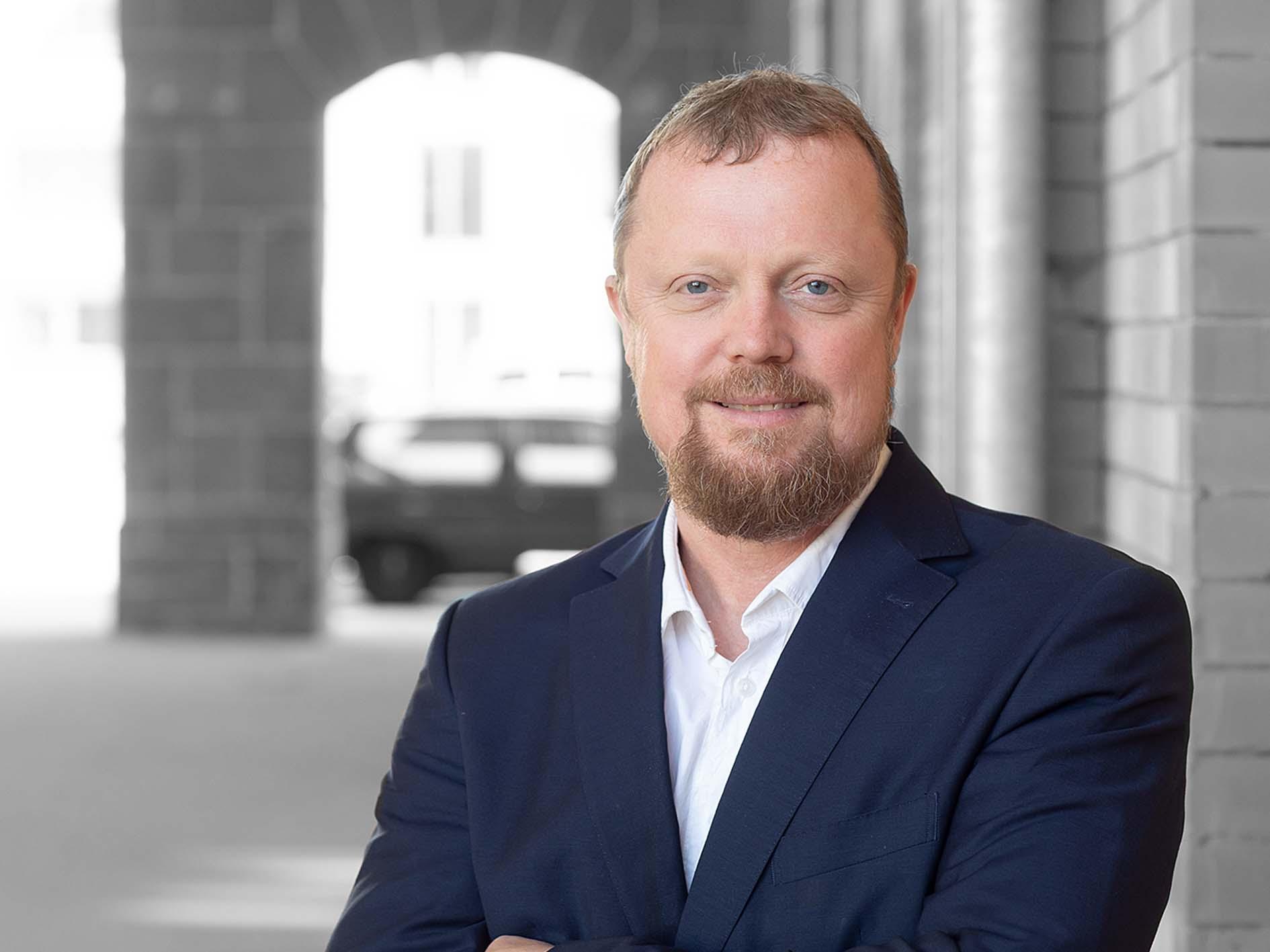 Dr. Claus M. Brodersen